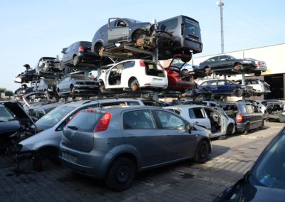 autodemolizione casa dell' auto srl foto