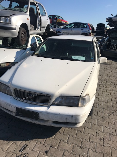 Ricambi Volvo v70 2400cc diesel 2005 tipo motore D5244T 100kw