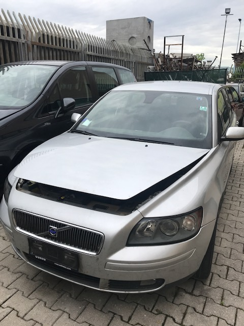 Ricambi Volvo V50 2000cc diesel 2004 tipo motore D4204T 100kw