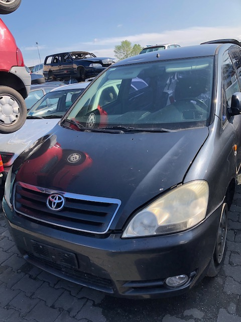 Ricambi Toyota Avensis Verso 2000cc diesel 2002 tipo motore 1CDFTV 85kw