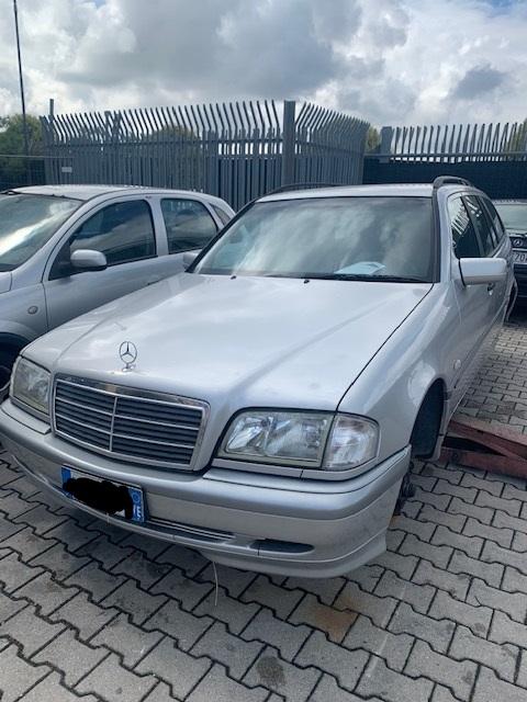 Ricambi Mercedes C 2200cc diesel 2001 tipo motore 611960 75KW